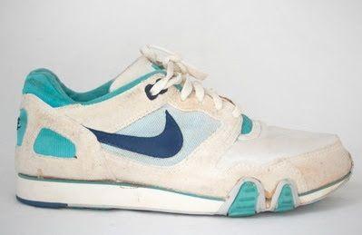 28fe08675f É da sua época    1990  Nike Street