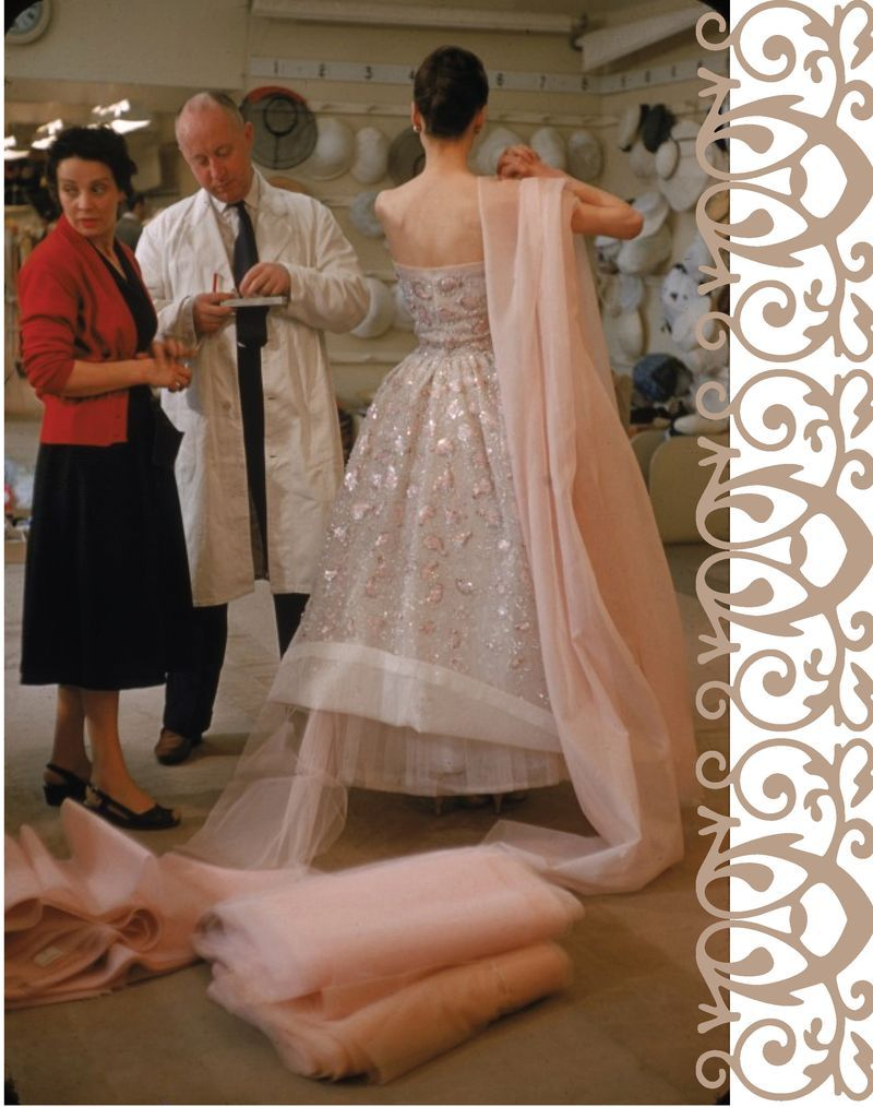 Christian dior at work in the s haute couture pinterest