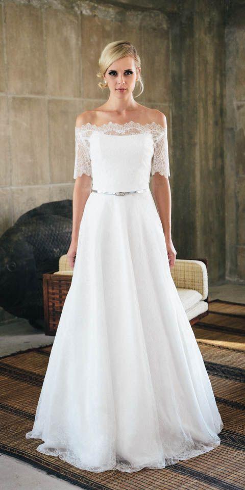 Corsagen-Brautkleid in Spitze küssdiebraut Rosenrot | Wedding dress ...