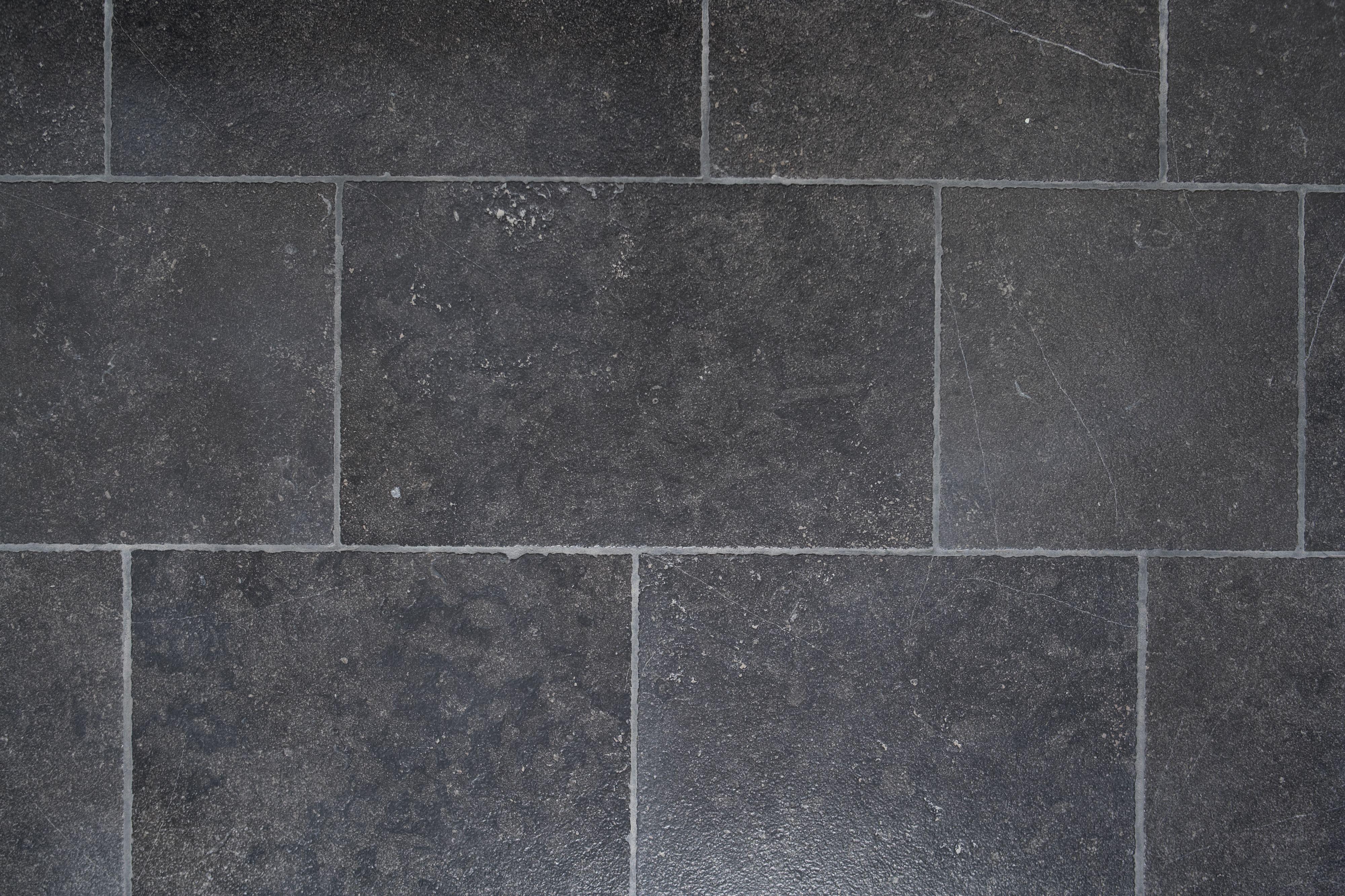 Ann Sacks Pierre Noire Limestone Tile Wide By Random Lengths In Honed Finish