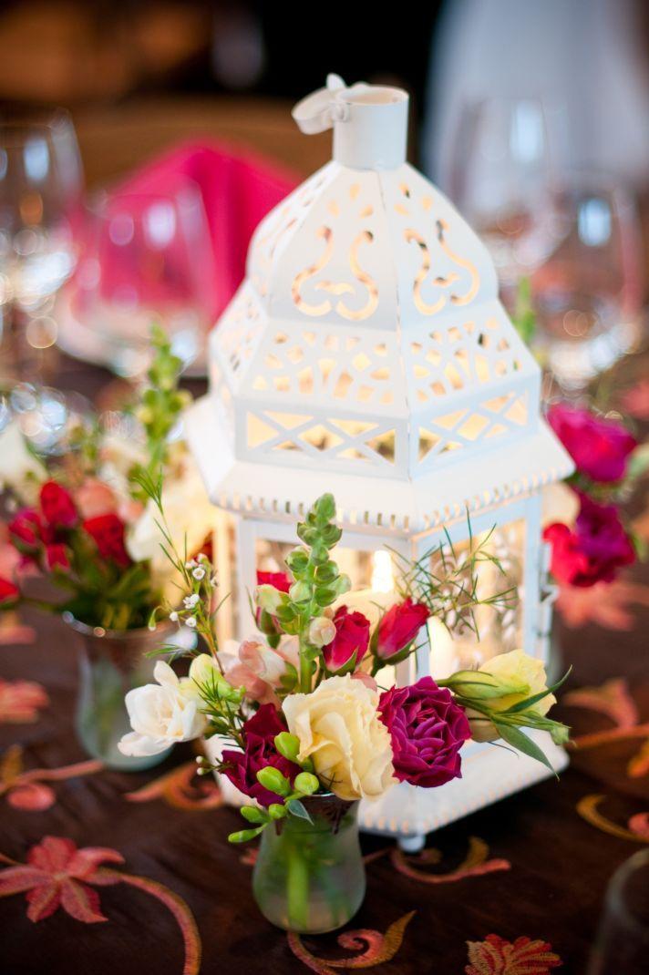 DIY wedding reception centerpiece with pink wedding flowers Centro