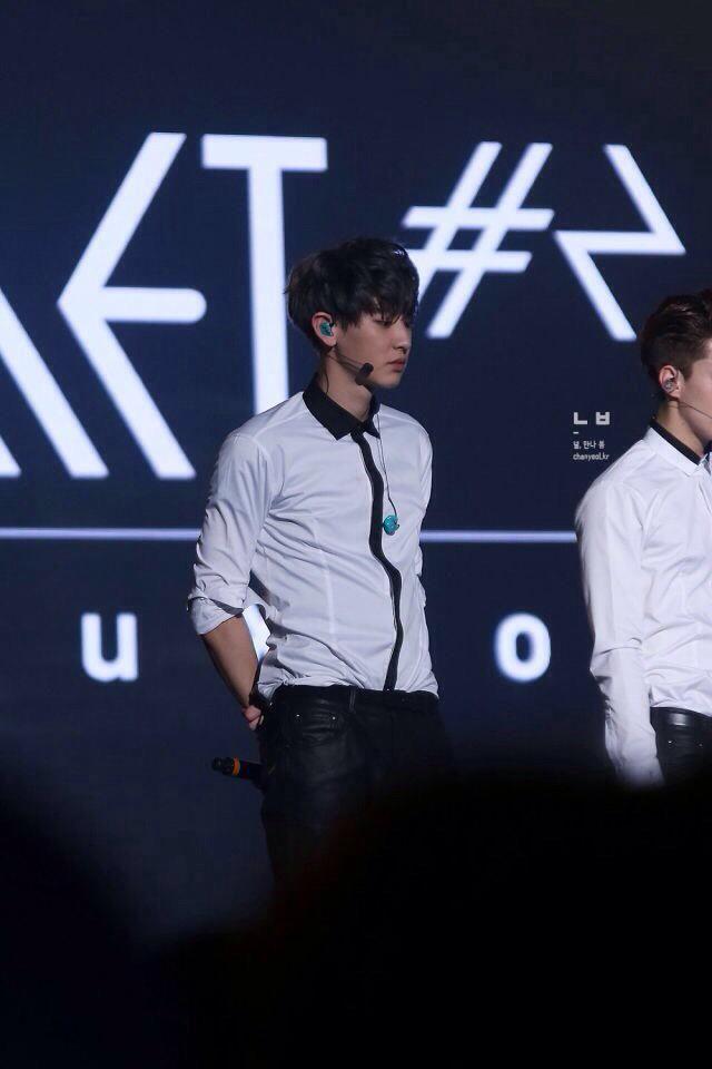 [HQ] 150307 CHANYEOL at EXO'LuXion in Seoul ©널 만나, 봄  http://farm8.staticflickr.com/7292/16743338425_66bbd8f9d6_o.jpg…