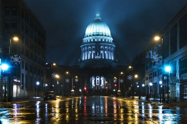 Reflecting Madisons Changing Capitol >> Wisconsin State Capitol Winter Night Google Busniess Wisconsin