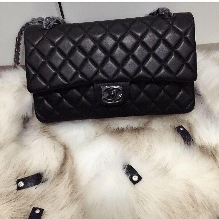 45b7aa40b Réplica de Bolsa Chanel 2.55 Classic Flap Black- Tradicional- Linha Premium  TOP PREMIUM Réplica de Bolsa TOP, compre no cartão em 12x ou à vista com ...