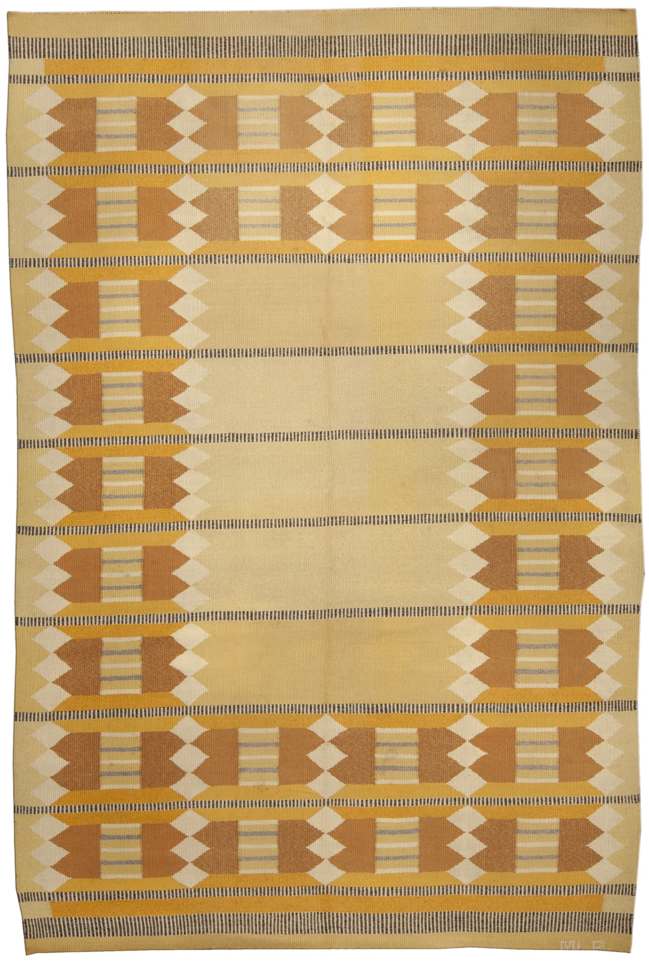 A Swedish Rug Bb4981 A Swedish Flat Weave Rug With A Modern Geometric And Linear Design Composed With Warm Shades Of Yell Scandinavian Rug Rugs Vintage Rugs
