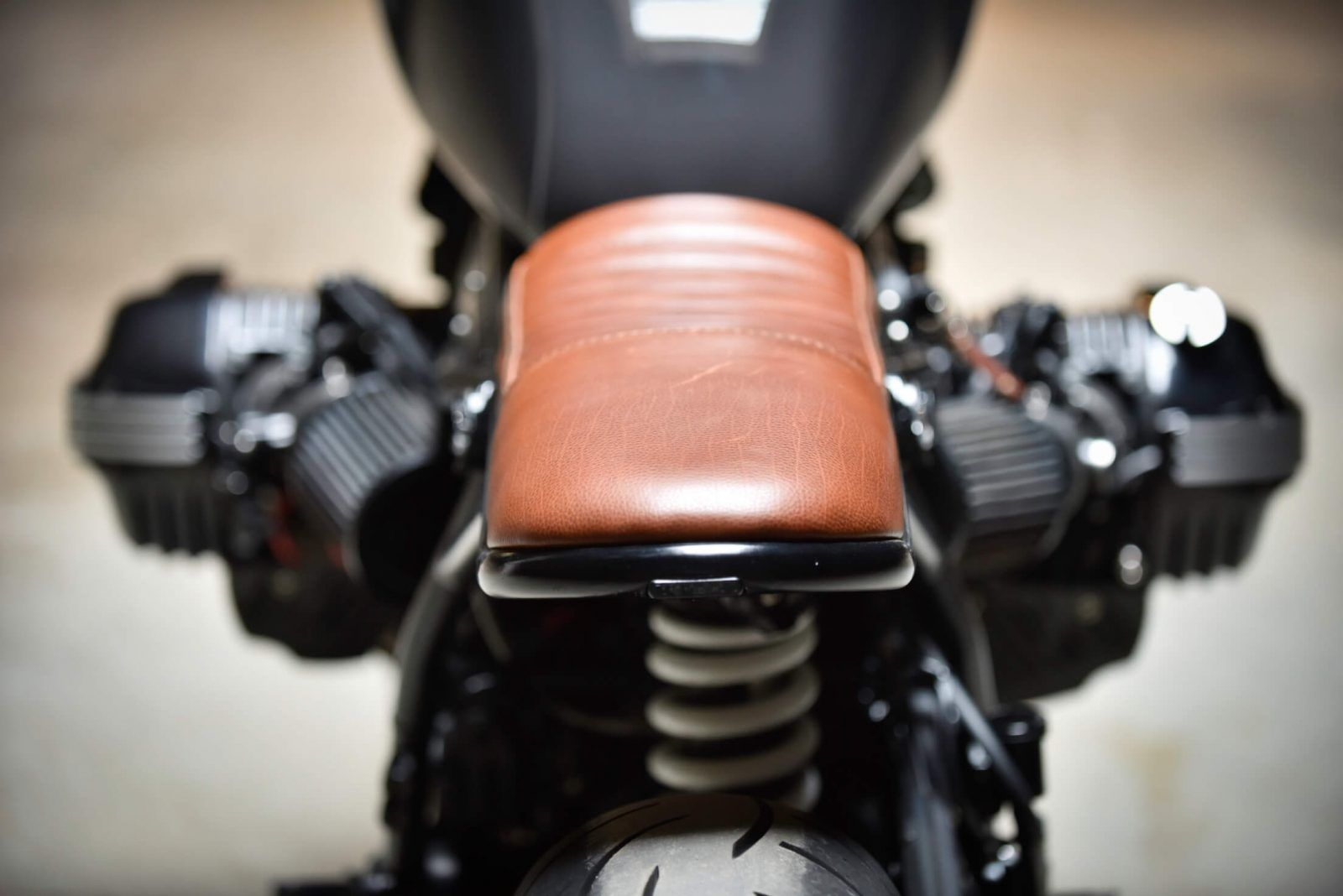 bmw ninet ninety cafe racer prepa garage custom lyon bf motorcycles pinterest moto. Black Bedroom Furniture Sets. Home Design Ideas