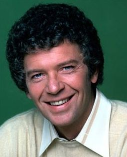 Robert Reed (October 19, 1932 – May 12, 1992) was an American stage, film and television actor and television director. From 1961 to 1965, Reed portrayed the role of Kenneth Preston on the popular legal drama, The Defenders. He is best known as Mike Brady on the ABC sitcom The Brady Bunch. He reprised the role of Mike Brady in later reunion programs. He earned three Primetime Emmy Award nominations for his acting.