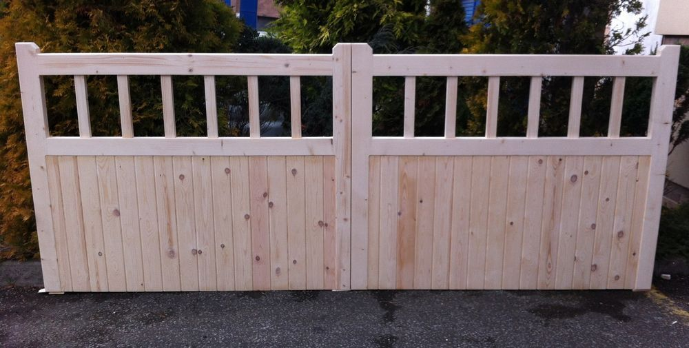 Wooden Double Entrance Cottage Style Driveway Gates Timber Garden