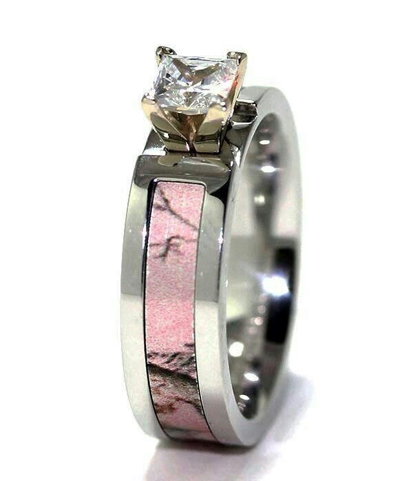 Pink camo wedding ring Wedding Stuff Pinterest Hunting camo
