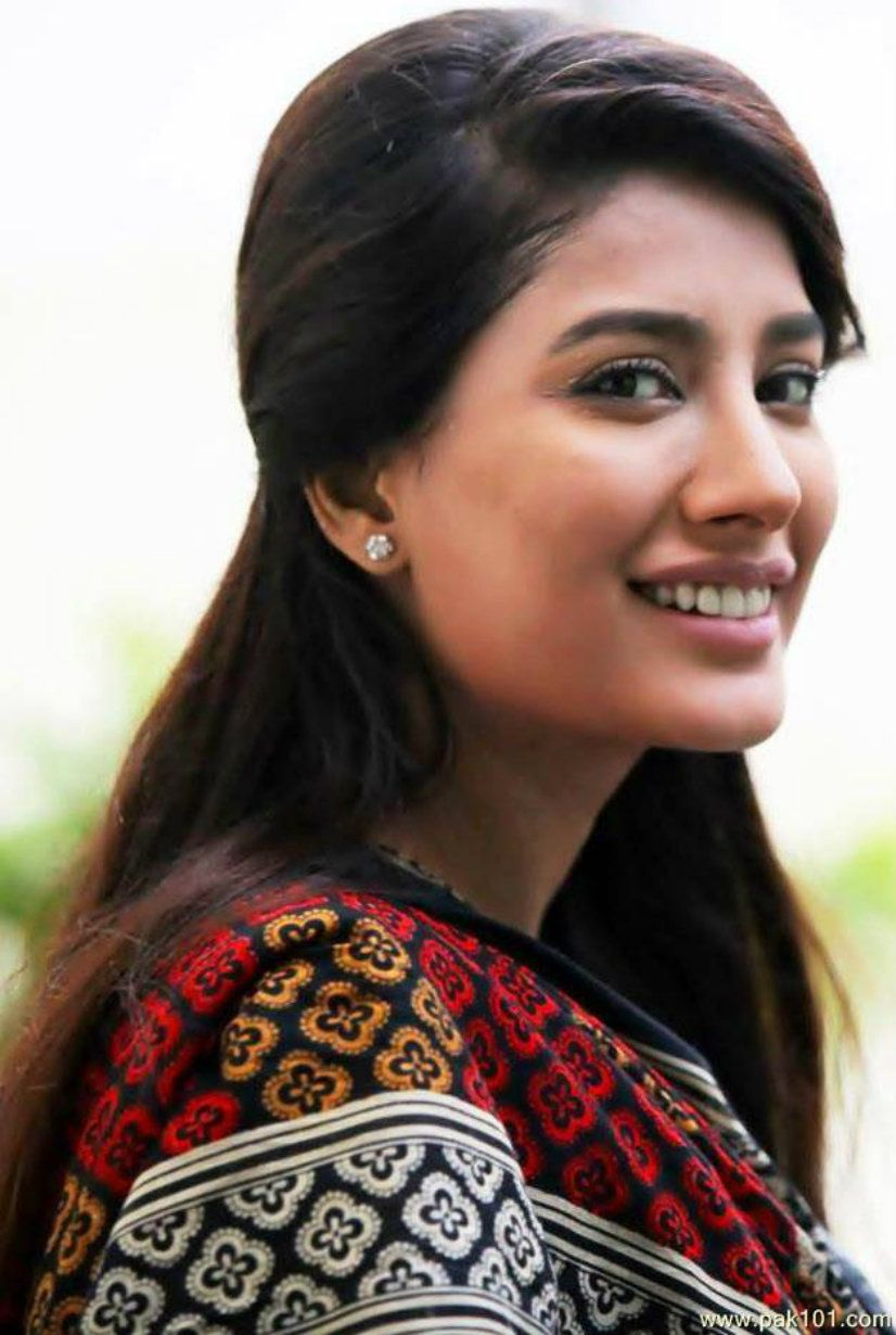 Mehwish Hayat  Shriya Saran Bold And Beautiful  Pakistani Actress -2833
