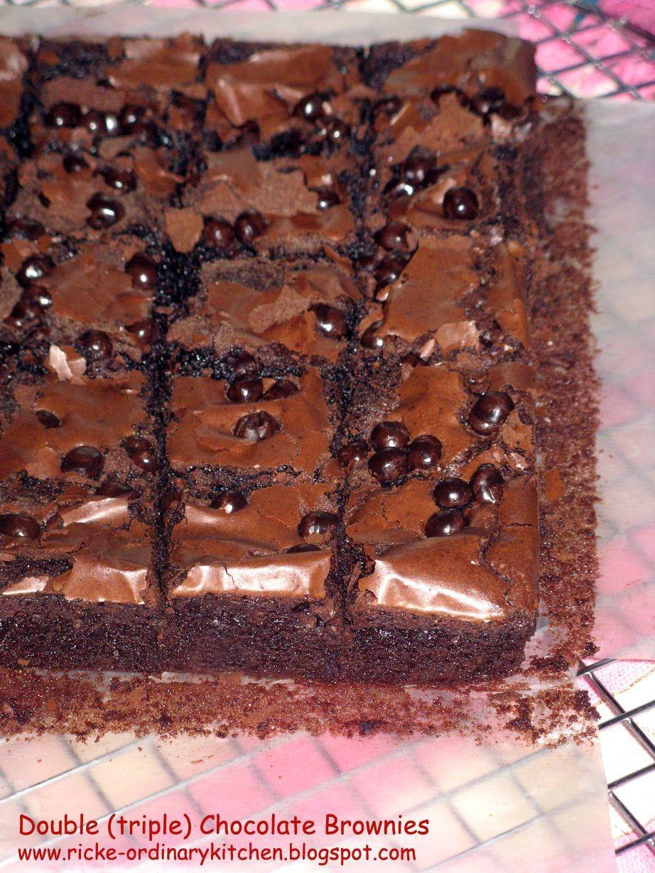 Menemukan Resep Brownies Yang Super Nyoklat Ini Di Blognya Mba Vania Baru Lihat Fotonya Saja Sudah Langsung Ngiler Dan Fudgy Brownies Kue Lezat Makanan Manis