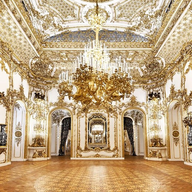 Liechtenstein palace austria photo from for Interior design osterreich