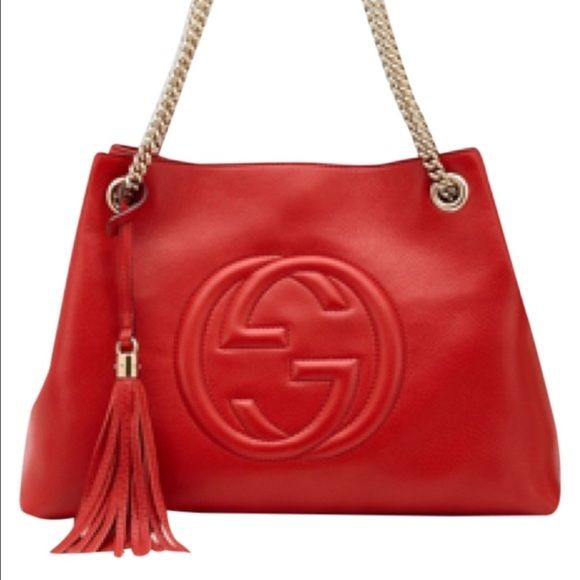 f1fe244fa181 BRAND NEW GUCCI SOHO BAG BRAND NEW WITHOUT TAGS GUCCI SOHO BAG. medium size Soho  shoulder bag with double chain shoulder straps and an embossed interlocking  ...