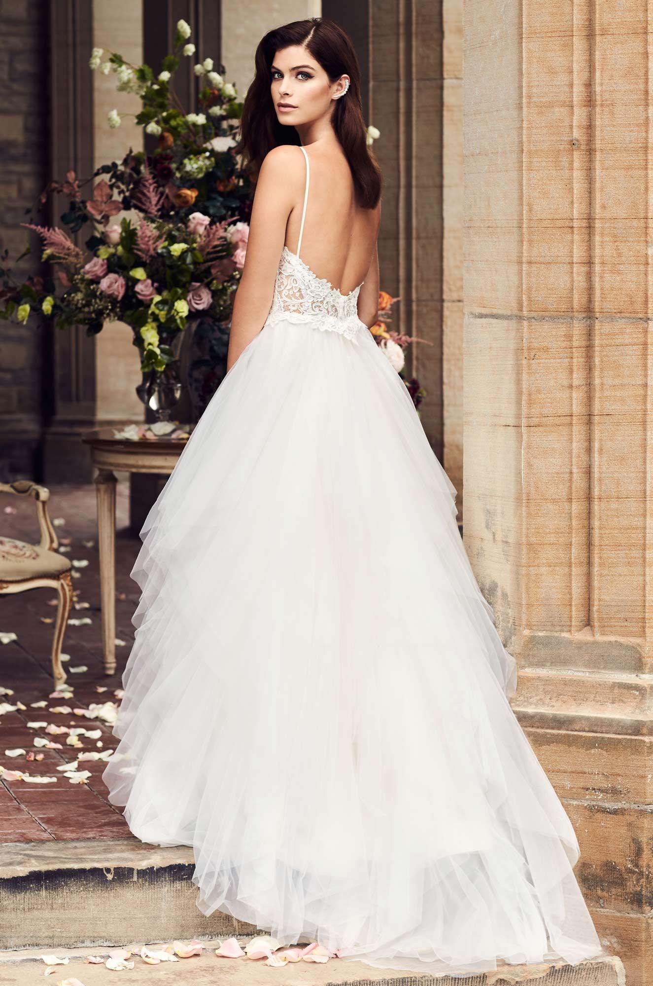 Amazing Ruffled Tulle Skirt Wedding Dress Style