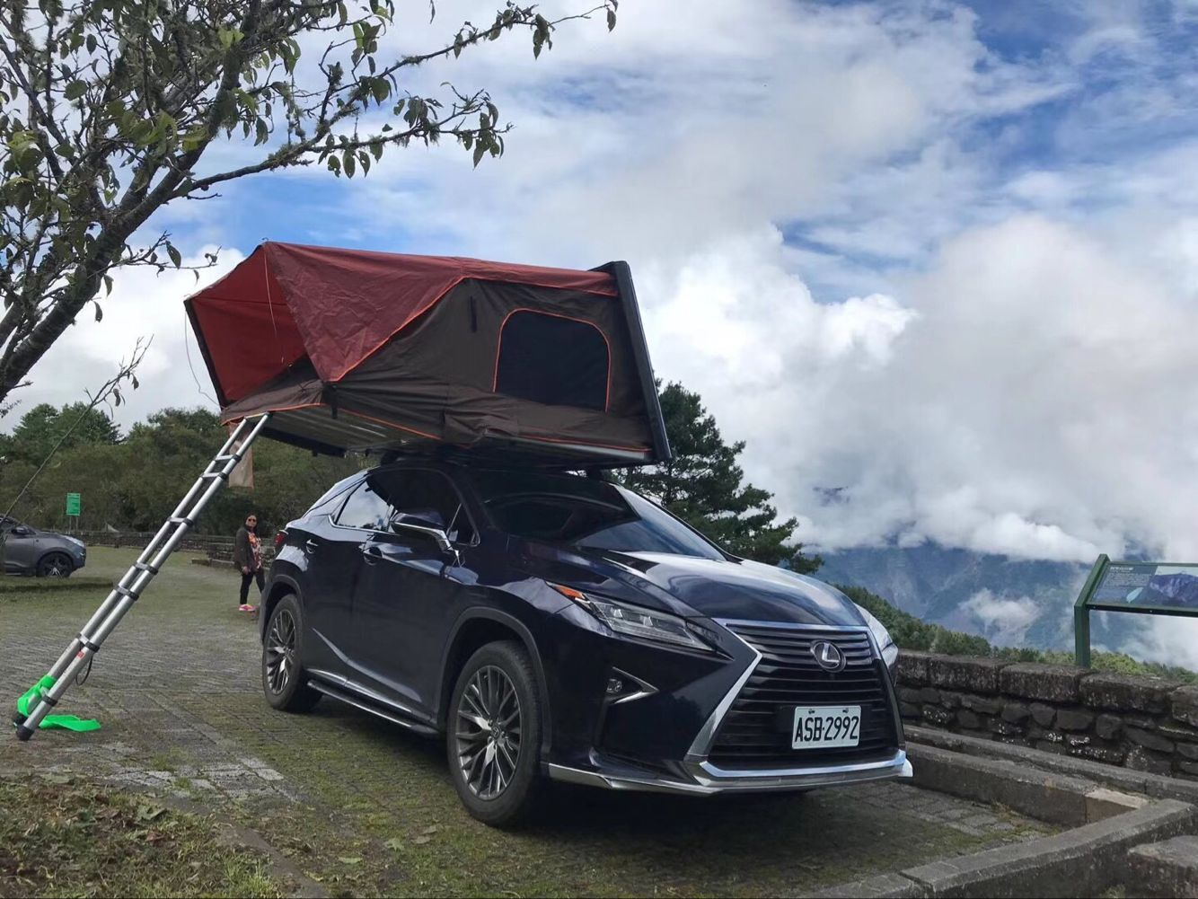 Pop Up Portable Camping Car Roof Top Tent For Outdoor Fits Most Vehicles Equipped With Cross Bars And Roof Rails Closed Dimensi Top Tents Roof Top Tent Rooftop