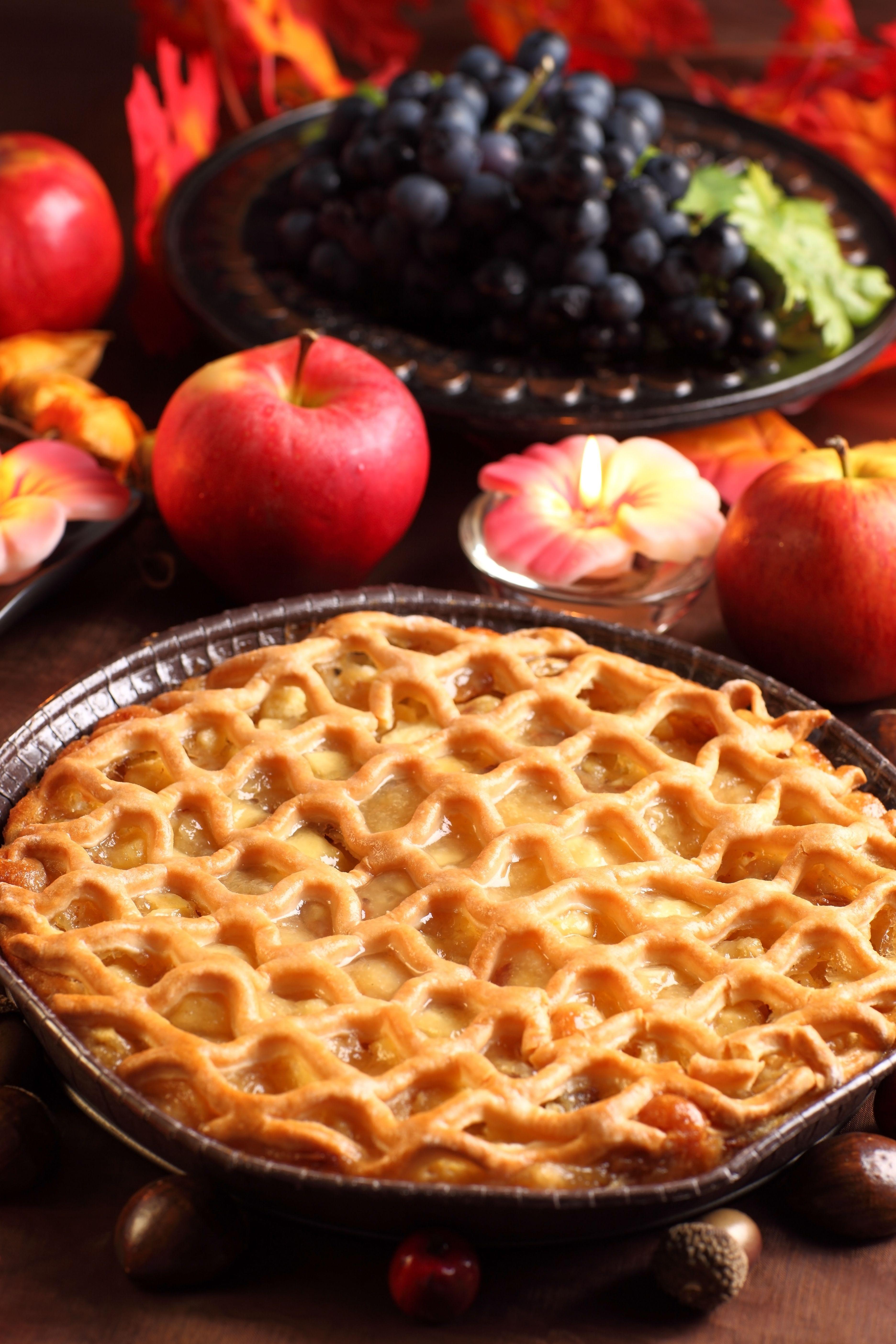 Apple Pie www.teeliesfoodie.com A simple dessert for fall season. #thanksgivingtreat