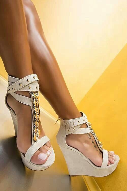 1660b166523 Pin by Christina Smith on Shoe love in 2019 | Shoes, Shoes photo ...