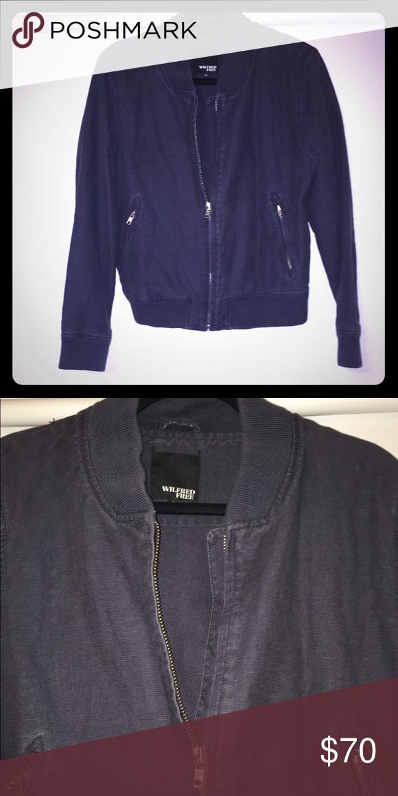 e7a6060b9 Aritzia Wilfred Free bomber jacket Faded navy bomber jacket, size L ...