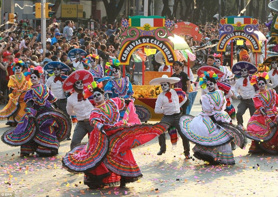 Thousands In Mexico City Celebrate Day Of The Dead In A Parade Mexico Day Of The Dead Day Of The Dead Mexican Culture