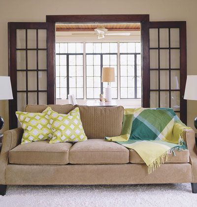 Green Scheme This Is For Anyone Who Doesnt Have To A Perfectly Symmetrical Sofa Ensemble Place Two Of The Same Square Pillows On One End