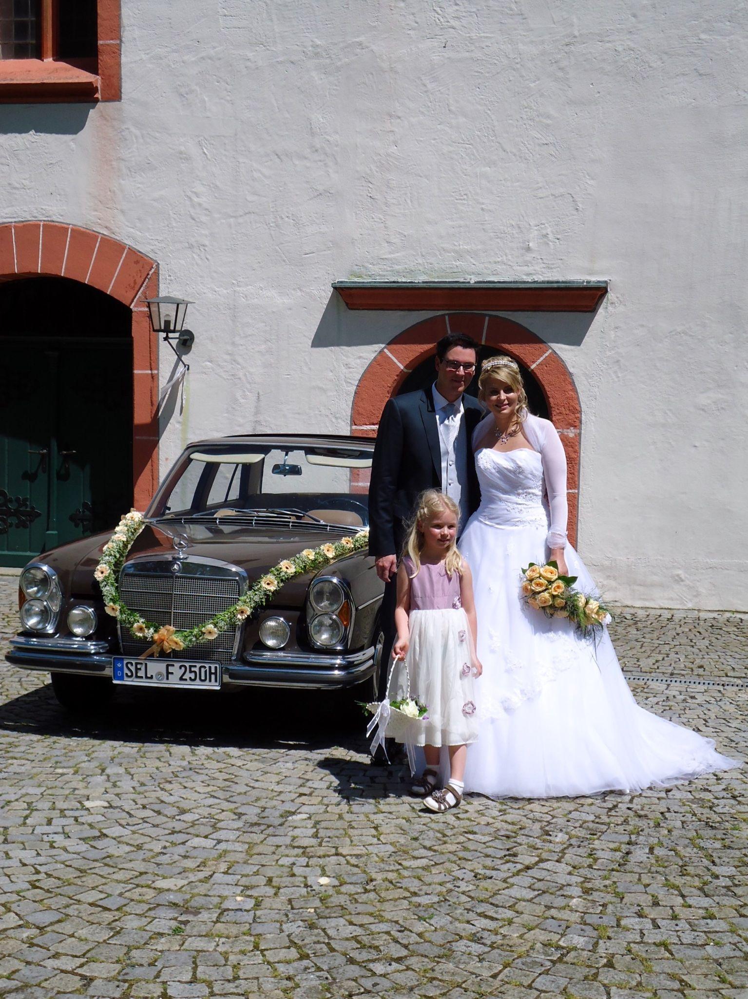 Hochzeit in Oberkotzau#hochzeitsauto #oldtimer #wedding #brautauto #merdedesbenz #mercedesbenzclassic #fischer-classic