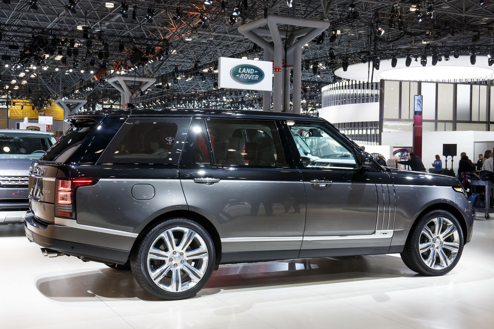 2016 range rover svautobiography debuts at the new york auto show