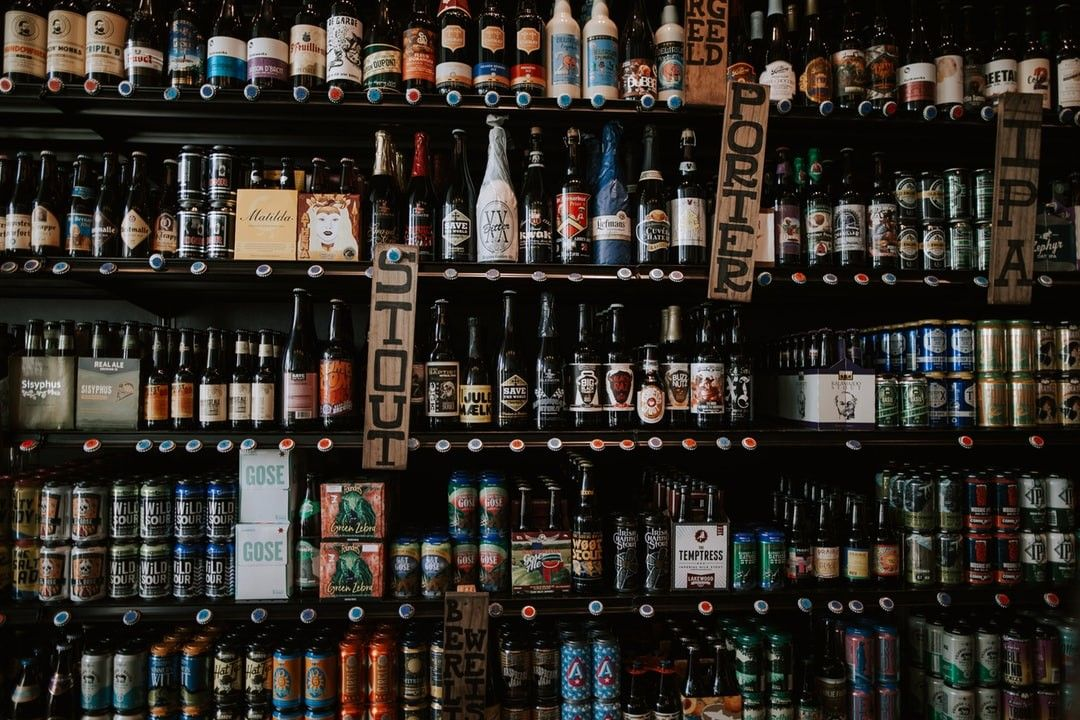 Labeled Glass Bottles On Shelf Hd Wallpaper In 2020 Beer Pictures