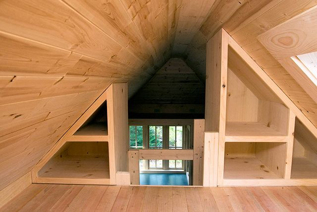 Pin By Zimmo Be On Small House Ideas Tiny House Loft Tiny House Storage Tumbleweed Tiny Homes