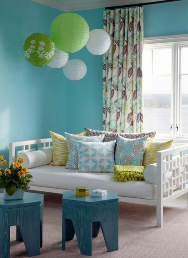 Ein Magisches Ambiente Mit Lampions Himmelblau Und Neongrün Mit Vielen  Mustern