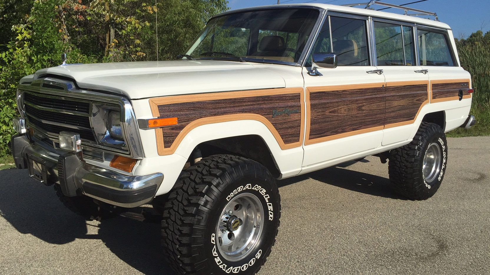 1988 Jeep Grand Wagoneer Presented As Lot F88 At Louisville Ky