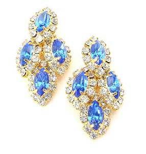#crystal earring #brooch #diamon necklace #fashion #beautiful #necklace #noble #crystal #red necklace #jewelry http://lvlv.com