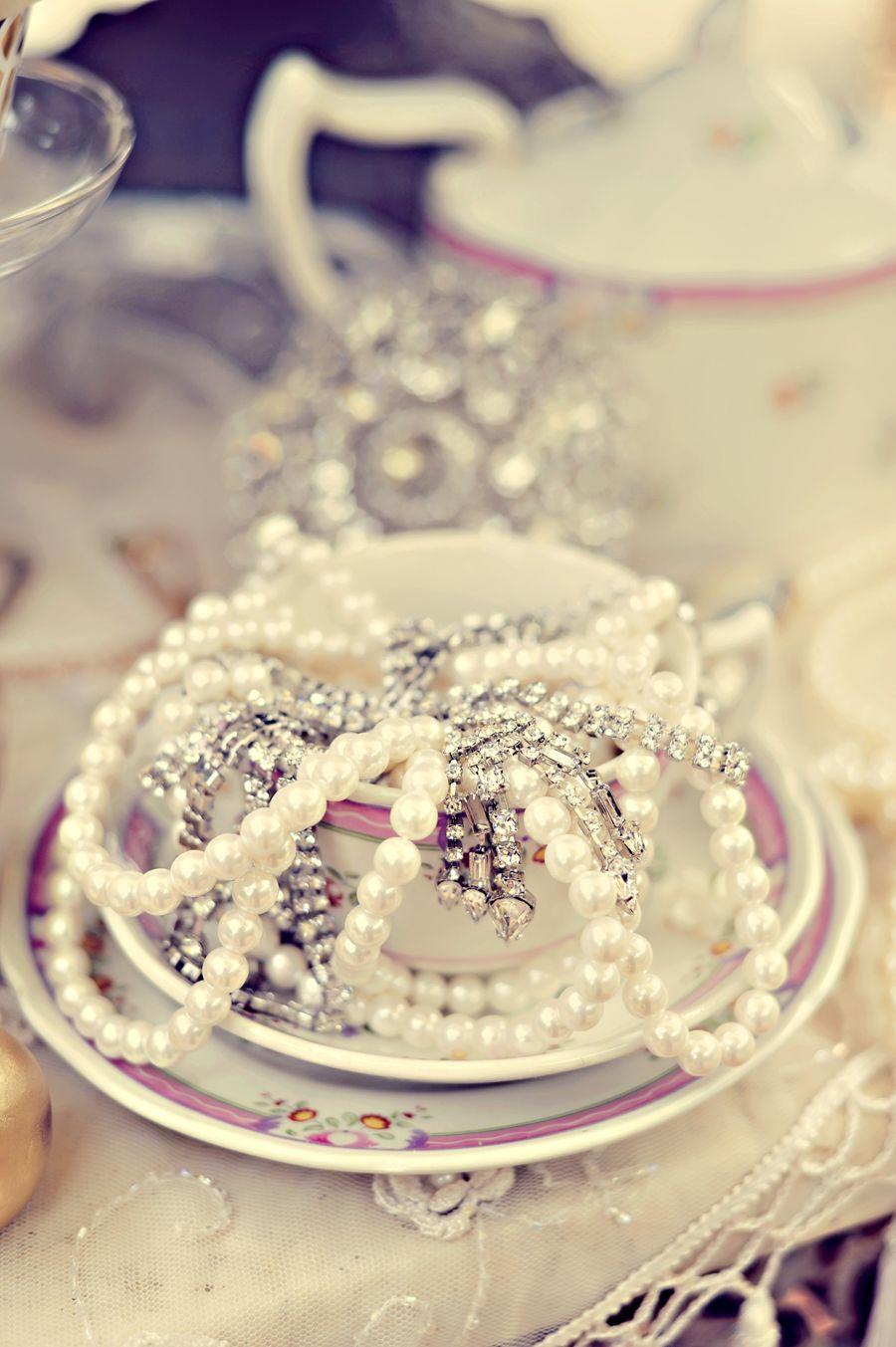 Marie Antoinette Bridal_Tamiz Photography | pearls | Pinterest ...