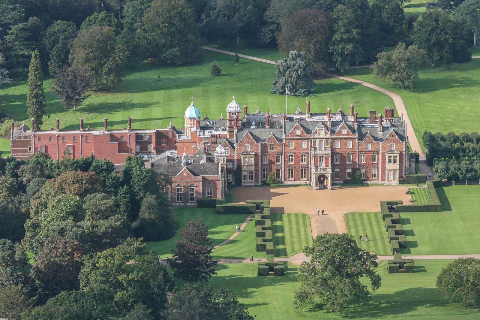 Inside Queen Elizabeth II\'s Private Home at Sandringham Castle ...