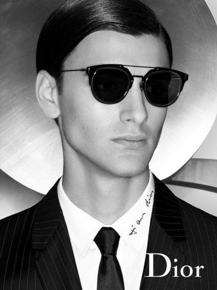 921ab885d36fa Dior Homme é uma coleção selecionada para homens estilosos e sofisticados,  que marcam presença por onde passam.  oculos  de  sol  blacktie  masculino  ...