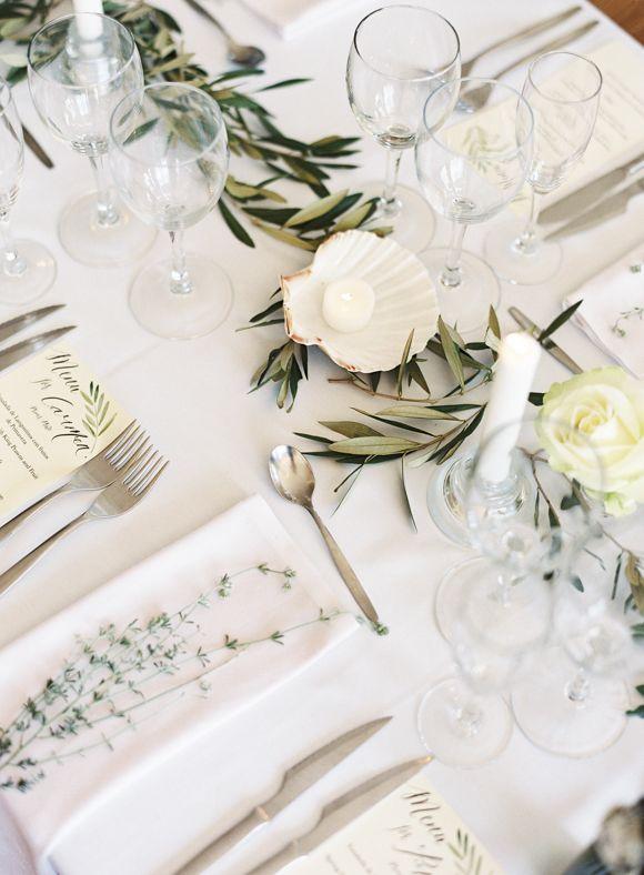 Elegant and Organic Outdoor Real Wedding   Wedding Sparrow   Sarah Hannam Photography