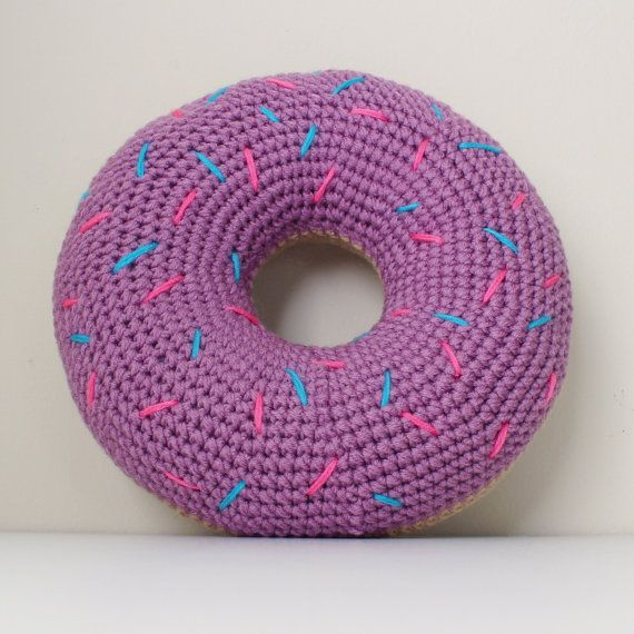 Crochet Donut Pillow with Sprinkles | Buñuelos, Ganchillo y Ideas