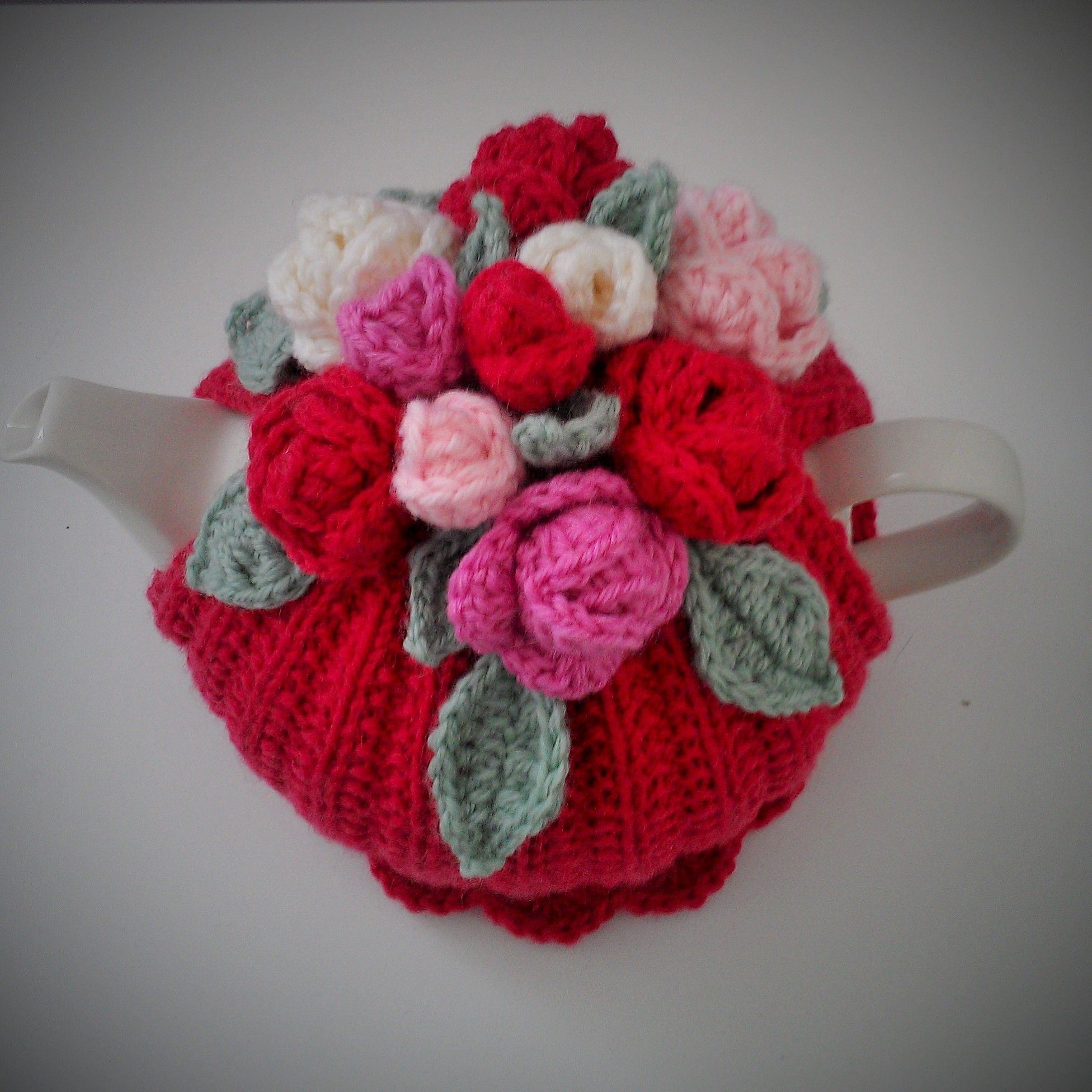 Free pattern at http://teacosycompetition.blogspot.com.au | Tea cozy ...