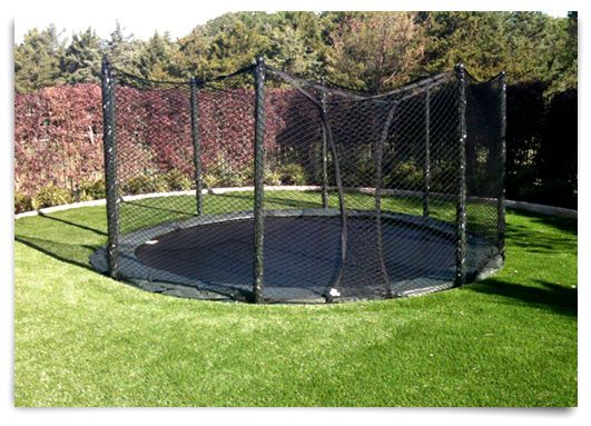Alleyoop In Ground Trampoline Surrounded By Grass In Ground Trampoline Backyard Trampoline Backyard