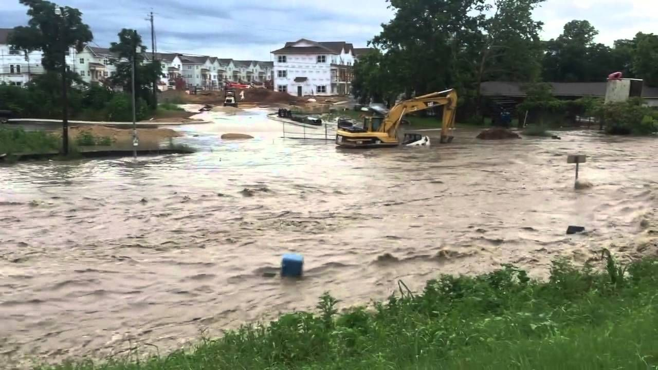 Serious Flash Flood In San Marcos Texas May 24 2015 Texas Flood Flood San Marco