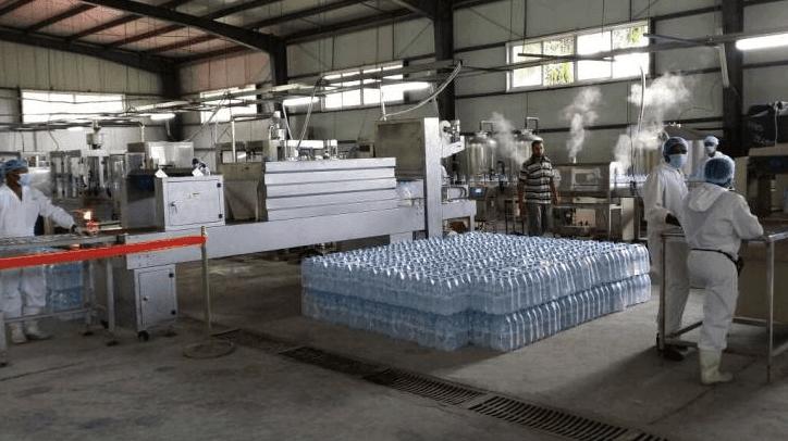دراسة جدوى جاهزة لمشروع مربح مصنع لإنتاج و توزيع المياه المعدنية Home Decor Home Dining Table
