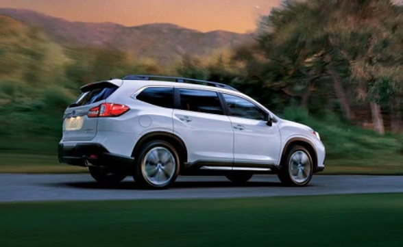 The 2019 Toyota Highlander In Bend Or Is Gaining Popularity Becoming A More Practical Option For Midsize Crossover Suvs But The Compe Honda Pilot Subaru Suv