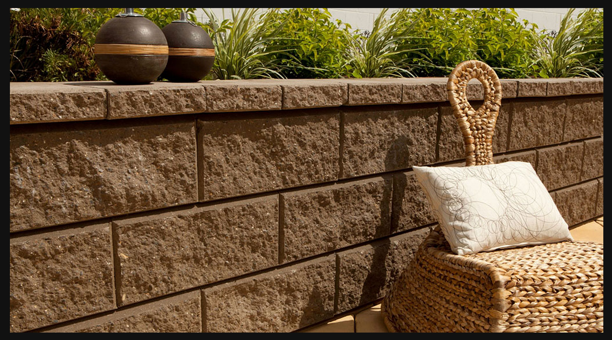 Adbri Ab Aussie Vertical This Vertical Retaining Wall System With Traditional Concrete Segmental Re Retaining Wall Garden Retaining Wall Wall Systems