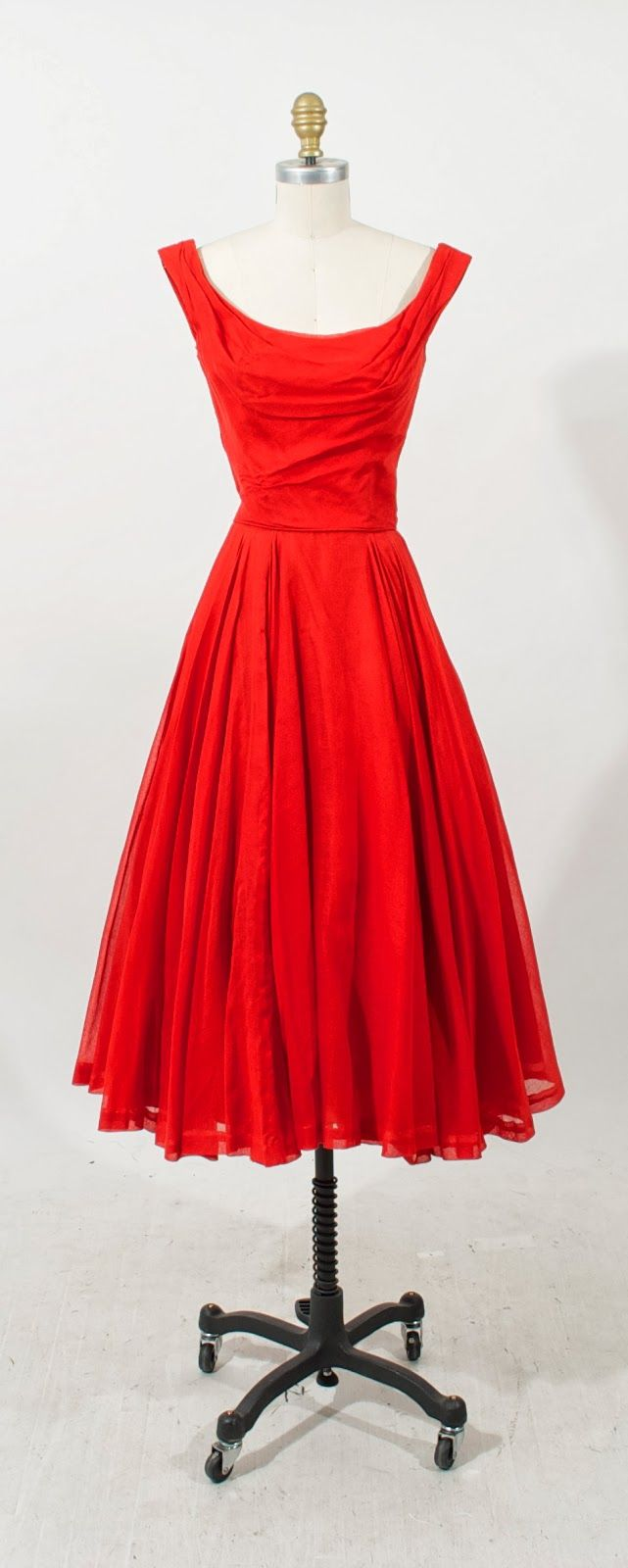 Ceil Chapman red cocktail dress, c.50's. Modern size 0. favorite silhouette