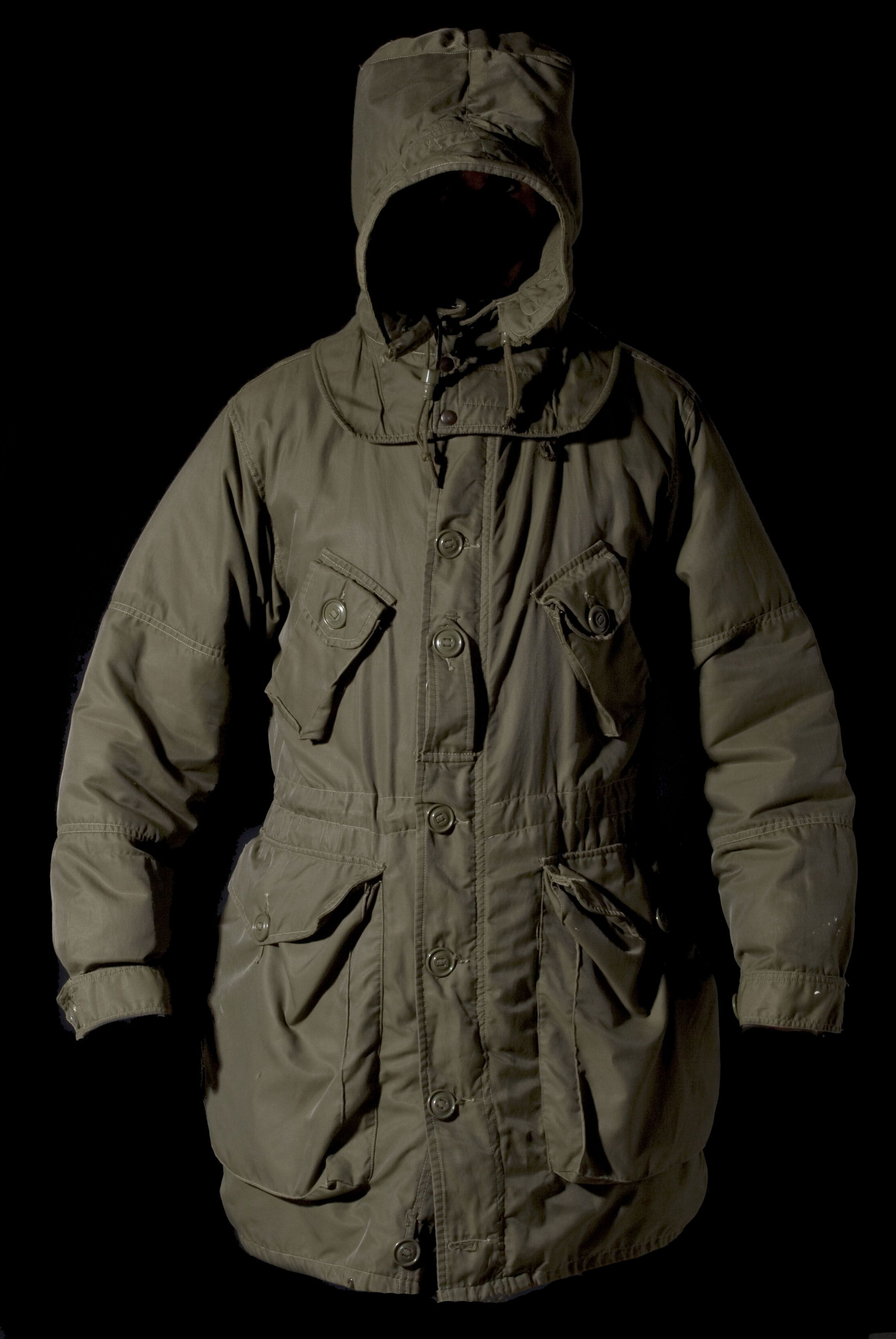 a48738d5cf6ec Canadian ECW Canadian Parka, Field Jackets, Military Parka, Tactical  Clothing, Cool Jackets