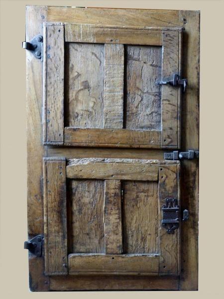 Antiquit volet de fen tre gothique m di val plis de serviette et cailles - Volet fenetre interieur ...