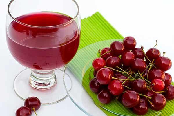 Sure kirsebær, der hovedsageligt bruges i tærter og til anden madlavning har det suverænt højeste indhold af melatonin.