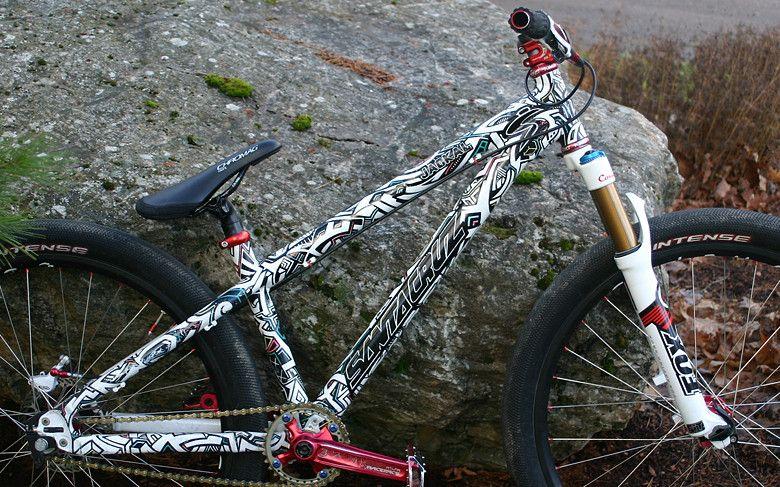 Zombie Hucker Dirt Jump Bike 26 Bicicletas