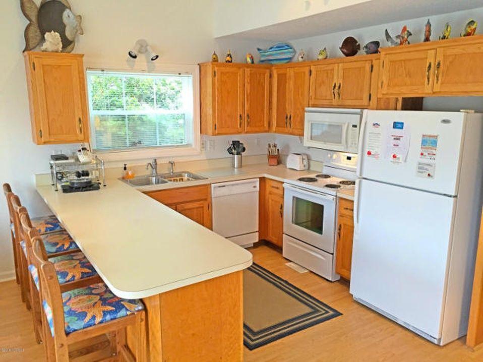 1509 E Main St Sunset Beach Nc Mls 100009494 Zillow Home Goods Home Decor House