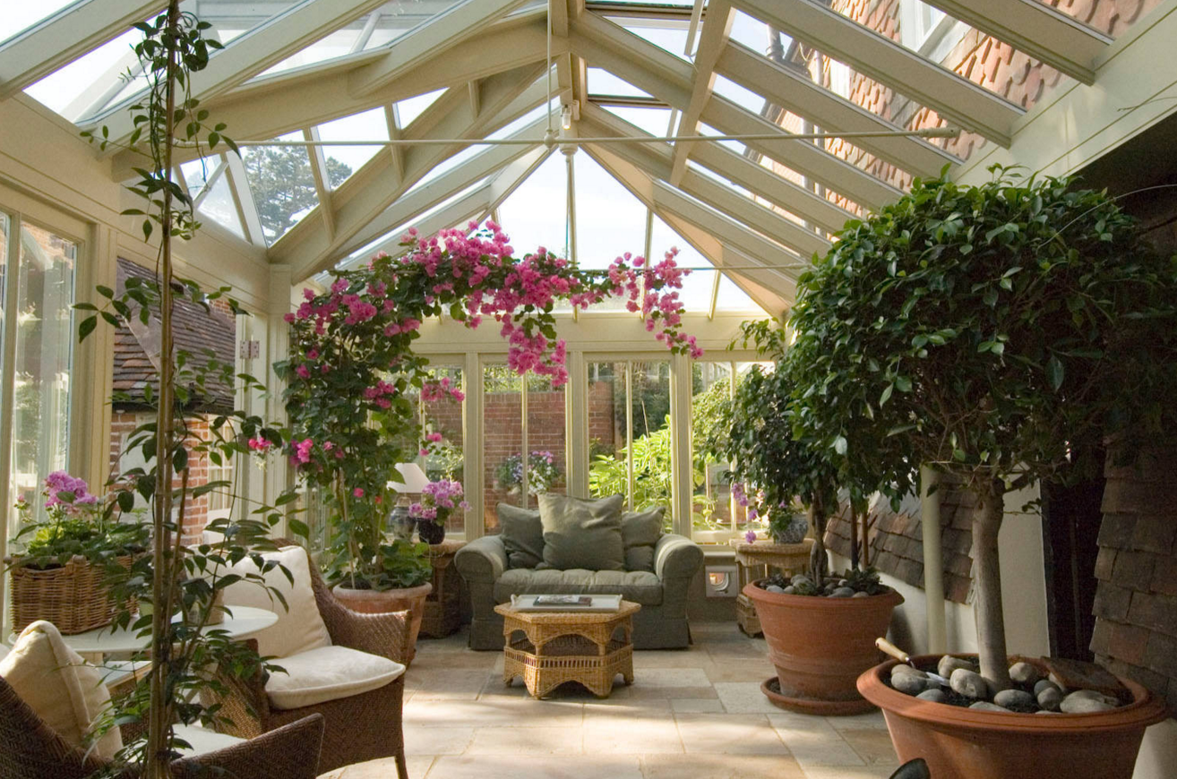 Sunroom Design Trends And Tips Freshome Conservatory Design Indoor Patio Conservatory Garden