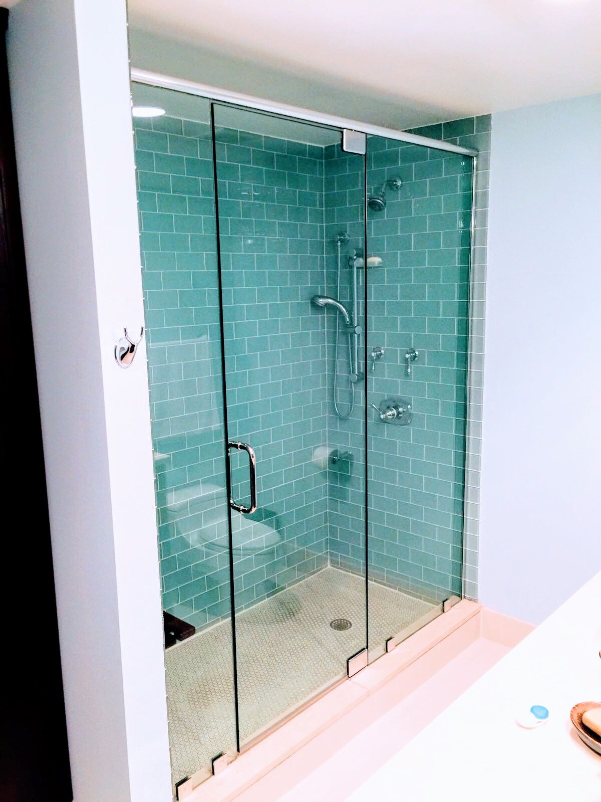 Beautiful Glass Shower Enclosure 1 2 Clear Shower Glass With Header Support Bar For Bat Bathroom Shower Enclosures Glass Shower Doors Glass Shower Enclosures